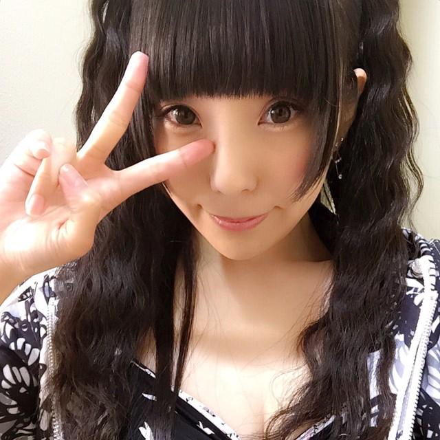 顔の肌がきれいな相沢梨紗さん