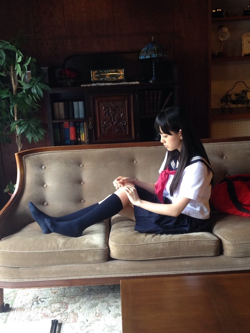 紺ハイソックスに萌え萌え【1足目】YouTube動画>4本 ->画像>156枚
